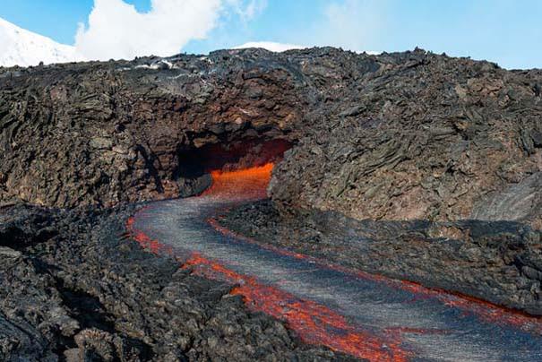 Φωτογραφίες από την καρδιά ενός ηφαιστείου που εκρήγνυται (7)