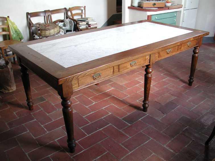 Tavolo marmo e legno
