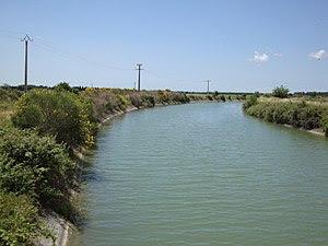 English: Vauvert (Gard, Fr) Canal du Bas-Rhône...