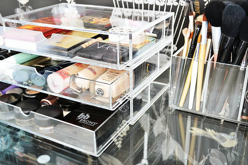 Muji_acrylic_storage_makeup