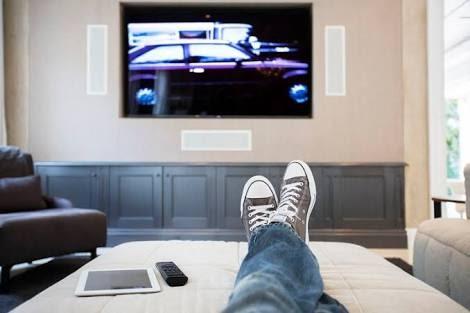 SEE HOW THREE(3) HOURS OF WATCHING TV KILLS GRADUALLY {BODYAROMA BLOG}