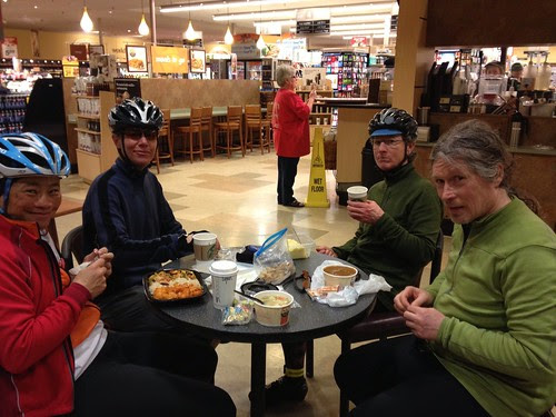 Pause in the Lebanon Safeway