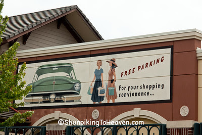 Free Parking Sign with Misspelling, Dane County, Wisconsin