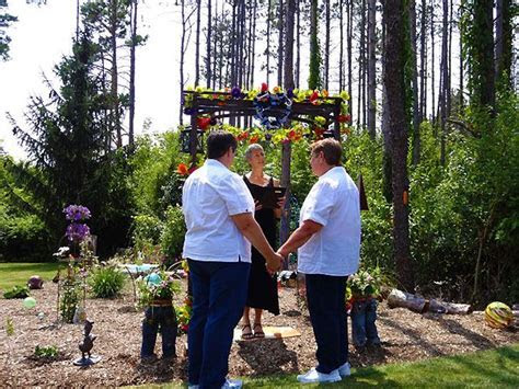 Lesbian Weddings: a collection of Weddings ideas to try