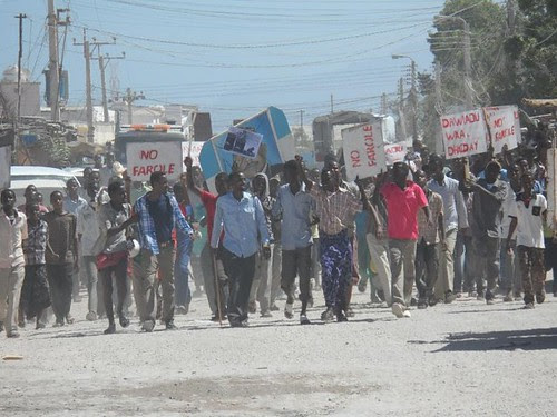 Opposition to President Farole of Puntland has sparked demonstrations. The oil-producing breakaway region is poised for economic growth with foreign oil companies playing a larger role in influencing politics. by Pan-African News Wire File Photos