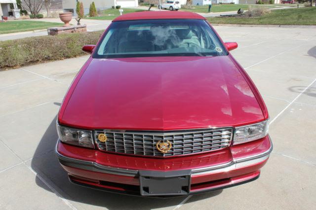 1994 Cadillac DeVille Concours Sedan 4-Door 4.6L for sale ...