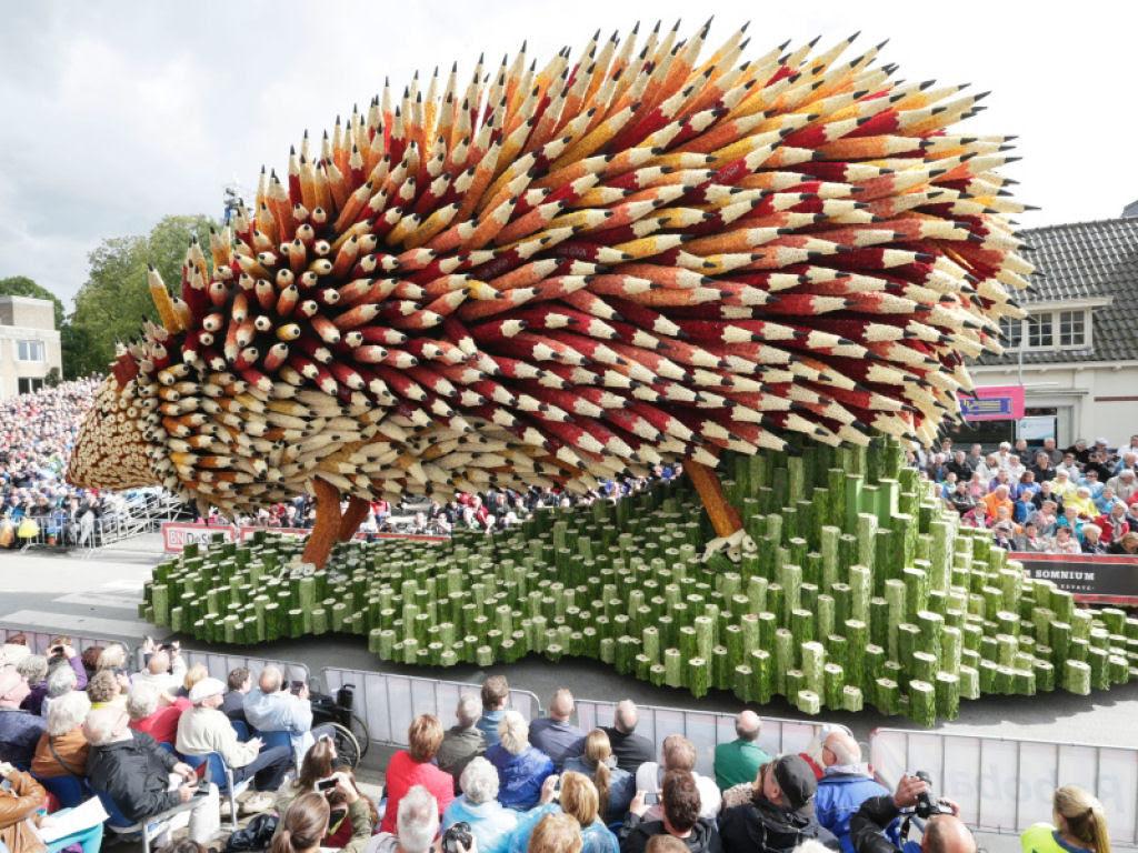 Desfile anual do Corso de Zundert homenageia van Gogh com carros alegóricos monumentais adornados com flores 06