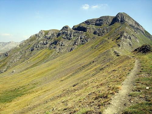 Skirtsi peak