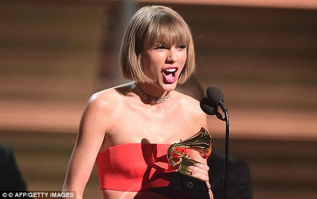 """""""As pessoas ao longo do caminho vai tentar minar seu sucesso ou levar o crédito por suas realizações"""" Logo após o designer Yeezy revelou famoso em fevereiro Taylor usou seu discurso Grammy para fazer uma escavação"""