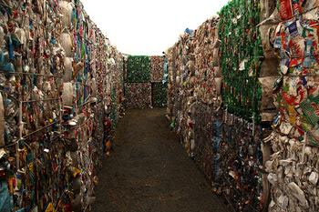 O labirinto de lixo (Foto de Eduardo Srur)
