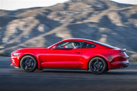 ford mustang ecoboost consumo