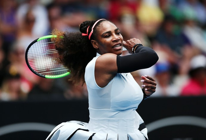 Serena Williams vs. Pauline Parmentier WTA de Auckland (Foto: Anthony Au-Yeung/Getty Images)