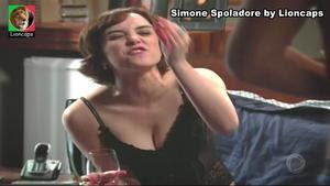 Simone Spoladore sensual na novela Bela a Feia