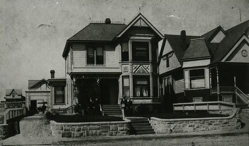 Kaiser House and Carriage House, Winston House