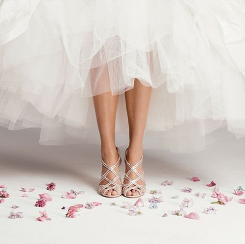 Tuesday Ten: Wedding Photos Every Couple Should Take happy feet