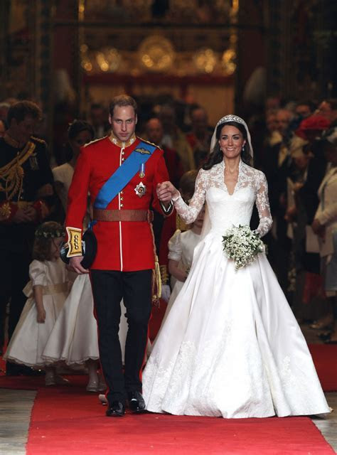 Royal wedding dresses ? Queen, Kate Middleton, Diana and