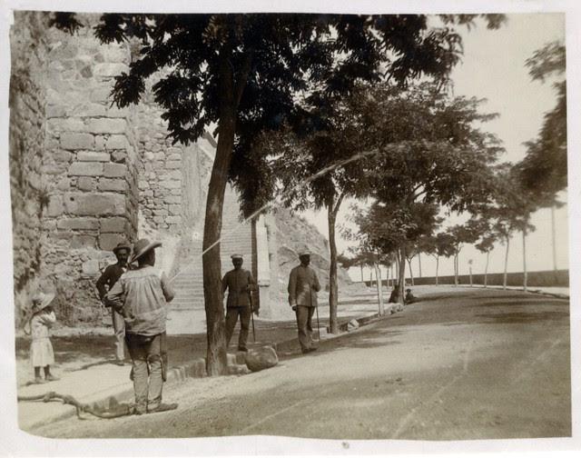 Calle Gerardo Lobo en junio de 1905. Fotógrafo anónimo. Colección Luis Alba. Ayuntamiento de Toledo