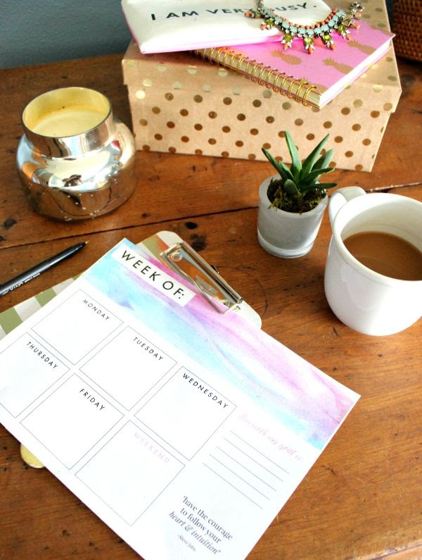 Free printable paper planner to help you design a more productive week!