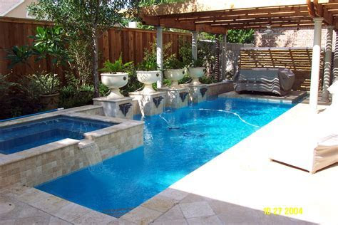 Awesome Small Swimming Pools Designs to Refresh Backyard Area   Ideas 4 Homes