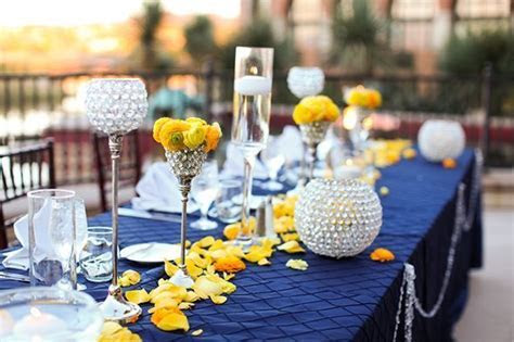 navy blue and yellow wedding decoration ideas   Sang Maestro