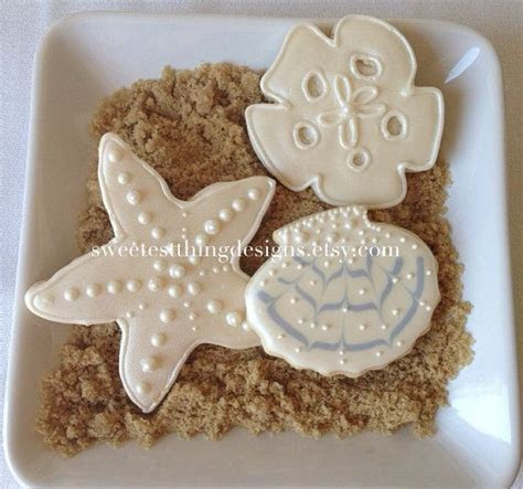 12 Seashell, Sand dollar, Starfish / Wedding Favor
