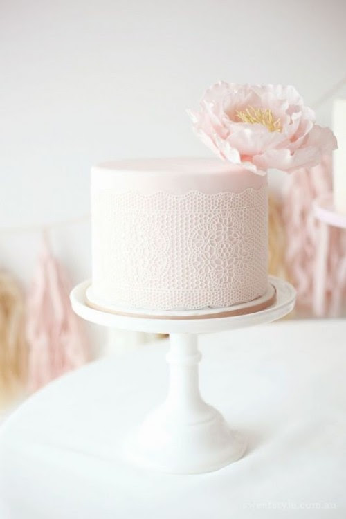 32 Romantic Light Pink Wedding Cakes - Weddingomania