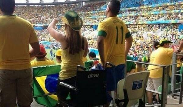 Milagres da Copa Cadeirantes que se levantaram durante jogos so investigados