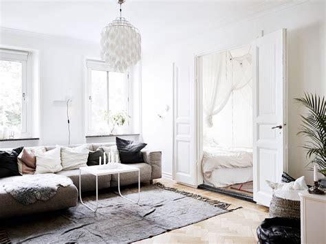 small scandinavian home jelanie