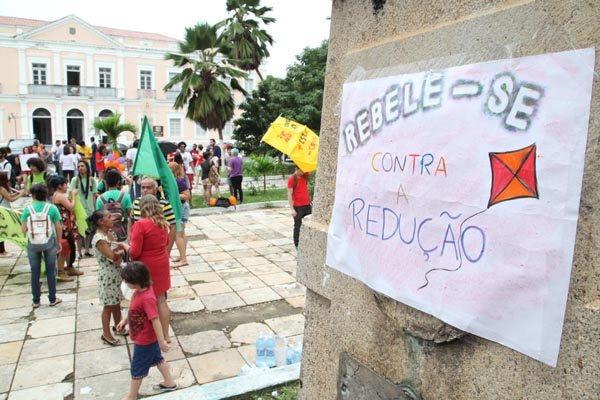 Divulgação do Mapa da Violência coincidiu com votação do projeto que reduz a maioridade penal. Em Natal, entidades fizeram protesto