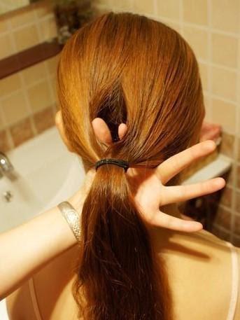 セミロングヘアアレンジも簡単!もう困らない可愛い髪型アレンジ集