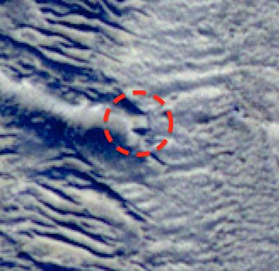 Formação quadrada encontrada na LUA 2