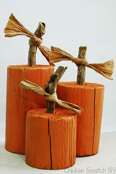 http://chickenscratchny.com/2012/11/fence-post-pumpkins.html