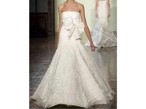Vera Wang Bouquet Luxe Collection, $8,950 Size: 4   Used