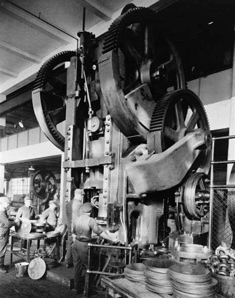The Dodge brothers main plant 1915 | Metal working