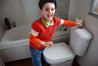 Iago en el baño