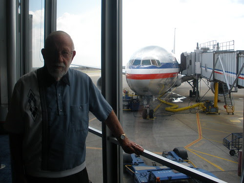 Dad Amazed at the Size of Airplanes