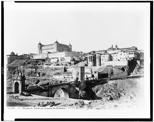 Puente de Alcántara y Alcázar de Toledo en el siglo XIX. Fotografía de Jean Laurent. The Library of Congress of the United States of America