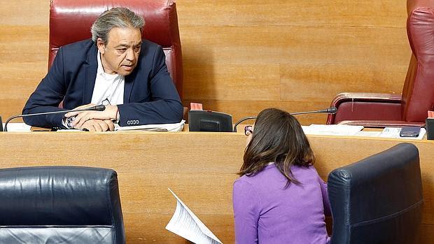 Mónica Oltra y Manolo Mata, este miércoles en las Cortes