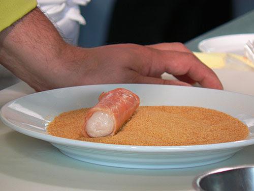 rouleau de pintade au saumon.jpg