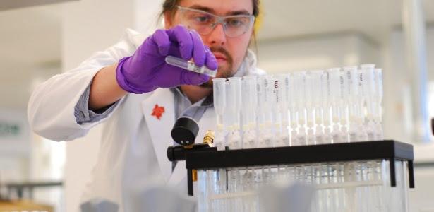 Funcionário no laboratório de Harlow, responsável pela análise dos exames antidoping na Olimpíada de Londres