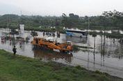 Rel di Bawah Tanggul Lumpur Sidoarjo Ditutup karena Tergenang Banjir