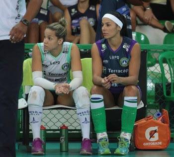 Brasília Vôlei x Pinheiros - Paula Pequeno foi poupada com dores no joelho (Foto: Felipe Costa / Ponto MKT)