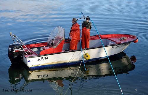mariscar desde embarcación by Luis Diaz Devesa