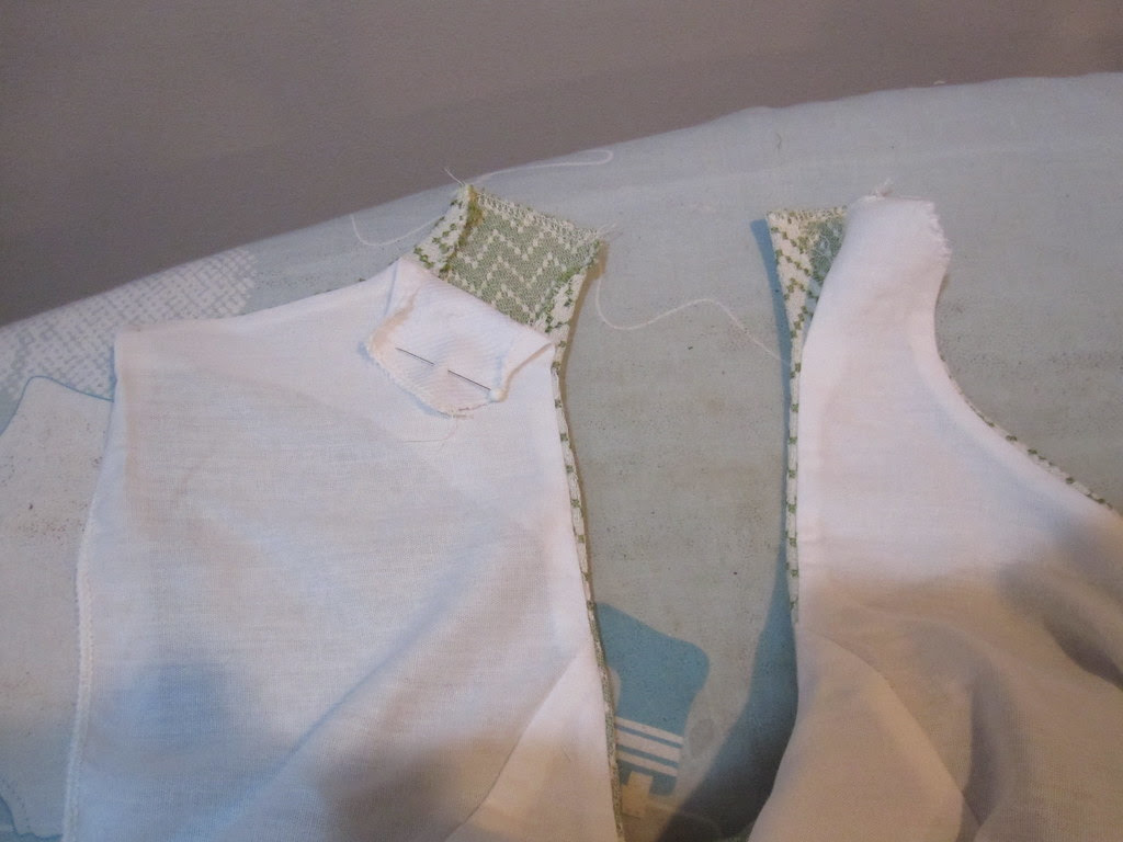 Leave Unstitched 2 inches from Shoulder