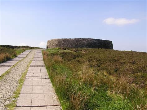 Ring fort of the tribe of Niall. Grianan of Aileach in