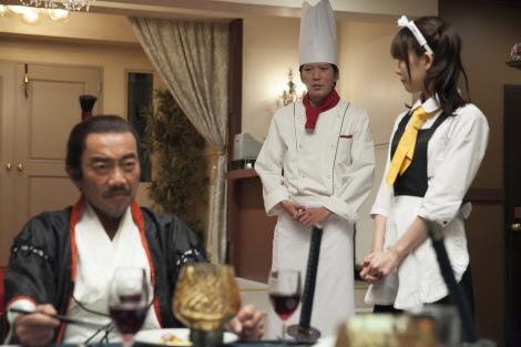 4月26日スタート、NHK・BSプレミアム『最後のレストラン』第1話より。信長(竹中直人)は園場(田辺誠一)に空前絶後の料理を注文する(C)NHK