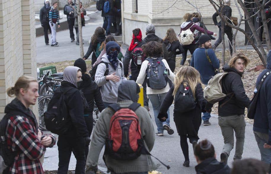 «Ça montre que ça bouge, que la base militante est vivante, qu'il y a du renouveau dans le mouvement étudiant», affirme la secrétaire aux communications par intérim de l'ASSE, Andréa Flores.