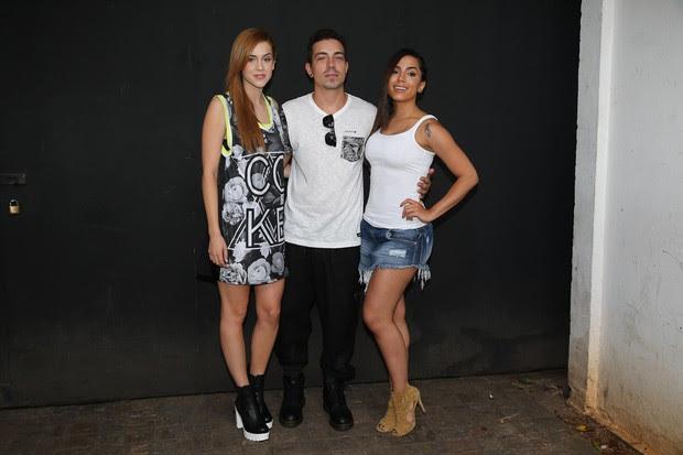 Anitta, Sophia Abrahão e Di Ferrero desfilam para Coca Cola Jeans (Foto: Manuela Scarpa/Photo Rio News)