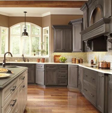 Mobili su misura- Arredamenti su misura di qualità: Cucine in legno ...
