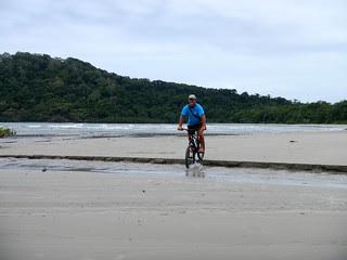 Mountainbiking at Cape Tribulation